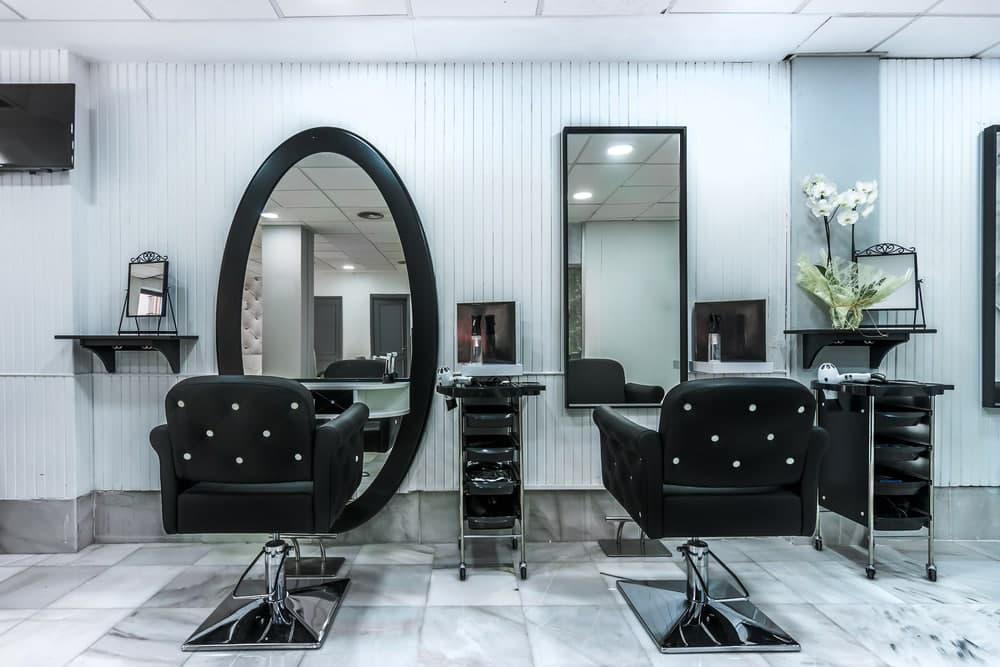 آینه دکوراسیون آرایشگاه مردانه