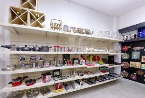 تنوع دکوراسیون برای مغازه