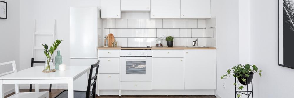 نصب برچسب کابینت آشپزخانه